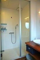 庵 美濃屋町町家 2Fにはシャワールームも備えてございます。