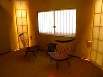 庵 和泉屋町町家 2F虫籠窓部屋 町家の特徴的な意匠である、虫籠窓の風情をお楽しみください。