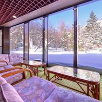 *冬のロビー(雪景色)