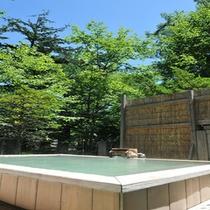*春夏の新緑露天風呂(男湯)