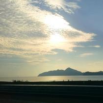 *海側のお部屋から見える朝の景色は、すがすがしい気分にさせてくれますよ。