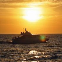 【アクティビティ】水平線に沈む夕日に感動「サンセットクルーズ」