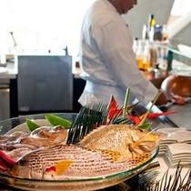 恩納村漁港直送の鮮魚を調理(ディナー)