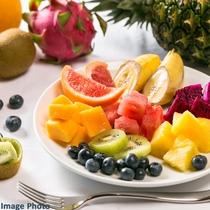 フルーツも色とりどりで目でも楽しめます。