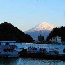 富士山の朝焼け