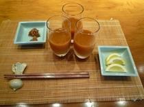 野菜の甘さが美味しい♪りんごとにんじんのジュースはミネラルやビタミンが豊富&血液の浄化を促します