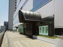 JR大宮駅西口まで歩行者デッキにて直結している2階南口玄関