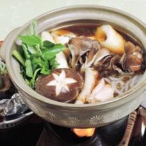 *[お料理/きりたんぽ]毎年秋に開催される「きりたんぽ祭り」で大人気の当館のきりたんぽ