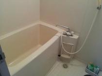 部屋の浴室(全部の部屋にはありません)