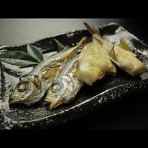 朝食 焼き魚美味しいよ_r