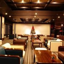 【デザイナーズラウンジ】クリスマスツリーが見える風景
