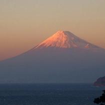 富岳群青から望む富士山と駿河湾