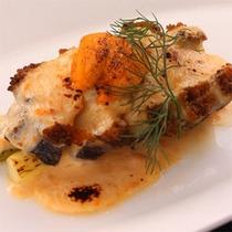 地鮑のグラタン 雲丹風味 〜ご夕食のお料理の一例です〜