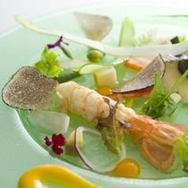夕食:(自家野菜と海鮮のサラダ)伊豆の旬食材を使ったプレミアムフレンチ会席