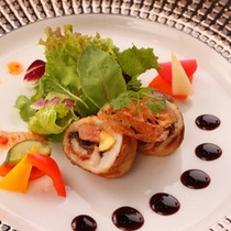 魳のフォアグラ、鰻巻きロースト サラダ仕立て 〜ご夕食のお料理の一例です〜