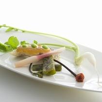 夕食:(アミューズ)伊豆の旬食材を使ったプレミアムフレンチ会席