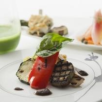 朝食:地物食材をふんだんに使い、素材の味を存分に堪能できる洋食