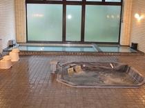 シュノンソー内大浴場