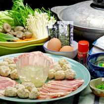 【鶏鍋一例】冬は美味しいあったかお鍋で冷えた身体もぽっかぽか♪