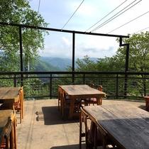 眺望抜群のテラス!4月~はここでBBQもお楽しみいただけます。