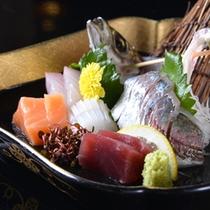 ◆お夕食一例(お造り)/瀬戸内海で水揚げされた新鮮な海の幸をご賞味下さい。