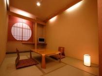 :☆新和室6畳☆バス・トイレ付き(3点ユニットバス)