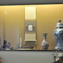 *【展示】館内には骨董品や絵画を展示しております。