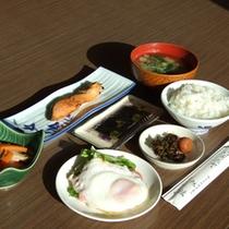 *【朝食例】バランスのとれた朝ごはん♪しっかり食べてすっきりお目覚め。