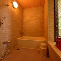 *角部屋(客室一例)/広々としたバスルームを完備。
