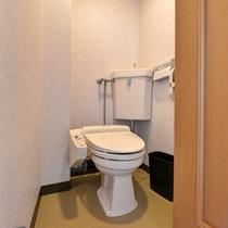 *和室(客室一例)/清潔を心掛けたお手洗いスペース。