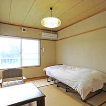 *【和室(一例)】ベッドを備えたお部屋もございますので、ご希望の場合はお知らせください。