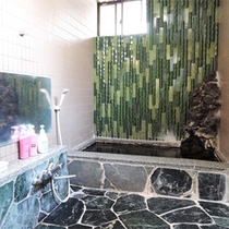 *お風呂一例/24時間いつでも入れる♪男女別の内風呂が1ヶ所ずつございます。