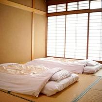 *和室一例/ゆっくりのんびり日頃の疲れを癒してください