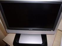 薄型液晶テレビ