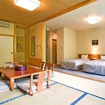 *【客室例】ファミリー・グループに◎畳とベッドの両方でお寛ぎいただける和洋室。
