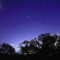 プローポーズに最適なSTARBAR♪夜空に輝く満点の星空でプロポーズしちゃお―♪