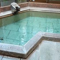 月の恋心貸切風呂。大きめのお風呂でゆったり貸切が嬉しい♪翌朝は男女別に