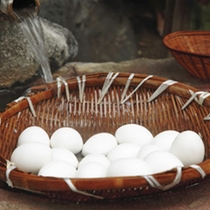 好きなだけ食べられる温泉卵は味も濃厚で鮮度がいい卵だから納得!!味も納得おやつにどうぞ!!