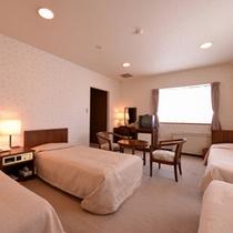 *フォース(客室一例)/家族やグループでのご宿泊に◎清潔にしつらえたベッドで安眠の夜を。