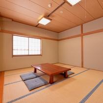 *和室14畳(客室一例)/心和む純和風のお部屋。足をのばしてごゆっくりお寛ぎ下さい。