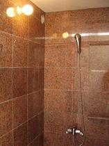 御影石のシャワールーム