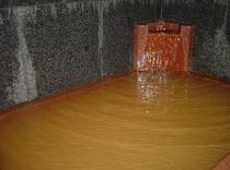 茶褐色の長良川温泉