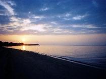 ウッパマビーチに沈む夕陽