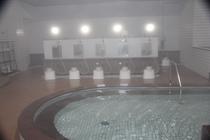 大風呂と洗い場