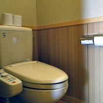 *【客室一例】すべてのお部屋にトイレ付きで安心。