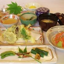 *【夕食一例】自然に則した身体に優しいメニュー