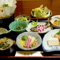 【里山の膳一例】地元白山麓で取れる食材がたっぷり使用!ヘルシーで健康にも◎♪