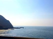 晴れの日の日本海