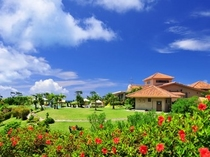 施設内観:真南風(マハエ)が渡る美しいリゾート