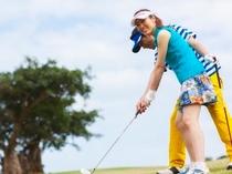 ゴルフ:アメリカンスタイルの本格派リゾートコースで、楽園ゴルフを。
